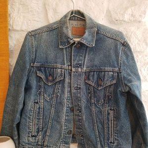 Vintage Levis Denim Trucker Jacket SZ 42 80's